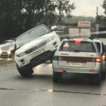 В Кирове Range Rover «заехал» на две «Лады»
