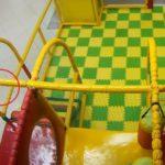 В Кирове в торговом центре 8-летняя девочка получила серьезную травму руки: следком проводит проверку