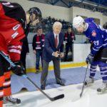 Олимпийский чемпион открыл соревнования по хоккею в Кирово-Чепецке