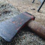 В Нагорском районе мужчина напал с колуном и поленом на брата: потерпевший попал в больницу с тяжкими повреждениями