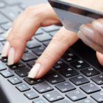 Жительницы Кирова потеряли деньги, пытаясь оформить кредиты в сети