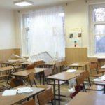 В Белой Холунице на школьника во время урока упало окно: подростка госпитализировали с травмами