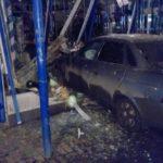 В Кирове пьяный водитель «Приоры» заехал в цветочный салон