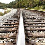 В Оричах два 11-летних мальчика гуляли по железнодорожным путям и раскладывали на рельсы камни