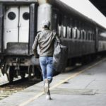 В Кирове из-за опоздавших на поезд пьяных пассажиров проводники применили экстренное торможение