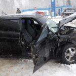 На трассе Яранск — Кикнур «Лада Приора» врезалась в фуру: госпитализирована 63-летняя женщина