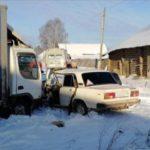 В Оричевском районе столкнулись «ВАЗ-2105» и грузовик: один человек получил травмы