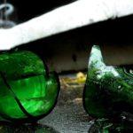 В Кирове ограбили посетительницу бара: во время выяснения, кто похитил деньги, женщину ударили по голове бутылкой