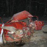 В страшном лобовом столкновении двух «ВАЗов» в Куменском районе погибли два человека: еще один человек получил тяжёлые травмы