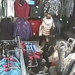 В Кирове полицейские разыскивают женщину, которая украла куртку из магазина