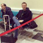 Алексея Навального не выпустили из России из-за долга в Кировской области