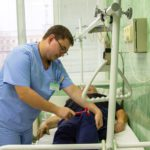 В Кирове освоили новый вид оперативного медицинского вмешательства – эндоскопическую нуклеопластику