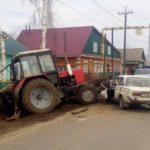 В Вятских Полянах 78-летний водитель «шестерки» врезался в трактор