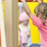 В Афанасьево в детском саду на 3-летнюю девочку упал шкаф: возбуждено уголовное дело