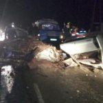 В страшном ДТП в Юрьянском районе погибла 32-летняя женщина: на трассе столкнулись ВАЗ и фура