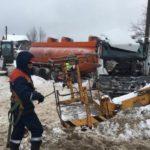 В Кирово-Чепецком районе бензовоз наехал на две опоры ЛЭП: водитель погиб