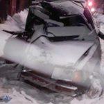 В Котельниче водитель автомобиля врезался в столб: погибли два человека