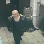 В Кирове мужчина украл имущество из служебного помещения кафе: устанавливается личность