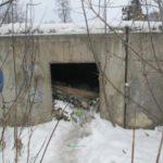 Недострой в центре Советска превратился в свалку и прибежище бездомных
