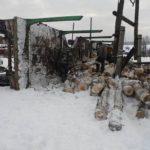 В Омутнинске лесовоз заехал в канаву и опрокинулся