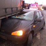 В Слободском районе «Лада Калина» въехала под полуприцеп: пассажирка легкового автомобиля получила травмы