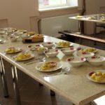 В Кирсе 20 детей отравились в школьной столовой: следком проводит проверку
