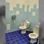 «Можно сидеть, взявшись за руки»: кировчане обсуждают туалеты в новом легкоатлетическом манеже