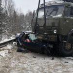В страшном столкновении «Фольксвагена» и КамАЗа в Кирове погибли два человека