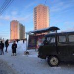В Кирове «УАЗ» въехал в остановку: пострадали три человека