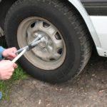 В Омутнинске мужчина украл из гаража колеса от «Газели»