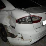 В Кирове столкнулись «Лада Ларгус» и «Форд»: от удара иномарку отбросило на припаркованную «Ниву»