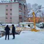 В Кирове на стройке упал кран