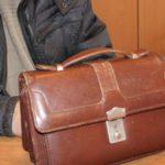 В Вятских полянах 18-летний парень украл сумку с деньгами у уснувшего в баре гостя из Татарстана