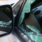 В Кирово-Чепецке у мужчины украли 115 тысяч рублей, которые он хранил в автомобиле под ковриком