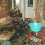 В Кирове произошел пожар в многоквартирном доме: хозяина загоревшейся квартиры эвакуировали огнеборцы
