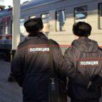 В Кирове полицейские сняли с поезда пьяного дебошира