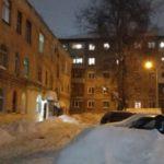 Следком подключился к выяснению обстоятельств схода снежной массы на женщину в Кирове