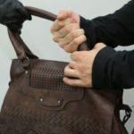 В Оричах мужчина ограбил слобожанку, приехавшую к нему на свидание