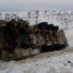 В Кировской области на трассе перевернулся грузовик