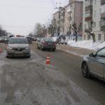 В Кирове водитель «Рено» сбил пешехода, переходившего дорогу в неположенном месте