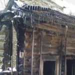 В Неме из-за детской шалости загорелся двухквартирный жилой дом