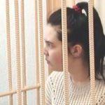 21-летней кировчанке, оставившей умирать 3-летнюю дочь в запертой квартире, продлили арест