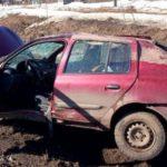 В Котельничском районе водитель «Рено» вылетел в кювет: два человека получили травмы