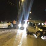 В Кирове столкнулись «Лада Ларгус» и «Киа Оптима»: два человека получили травмы