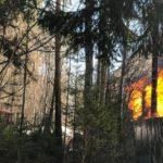 В Кирове в районе аэропорта горит дом
