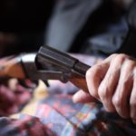 В Мурашинском районе мужчина застрелил себя из ружья отца