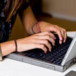 В Кирове студентка поверила «подруге» в соцсети и потеряла деньги