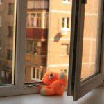 В Кирово-Чепецке 2-летний ребенок выпал из окна 4 этажа