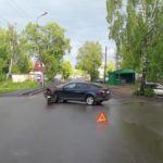 В Белой Холунице женщина-водитель «Шкоды» сбила водителя мопеда