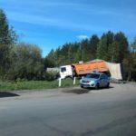 В Кирове столкнулись две фуры: одна из машин опрокинулась на дороге